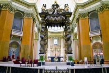 Free Altar And Canopy Of Church Stock Images - 15712964