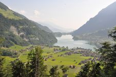 Free Lake In Switzerland Royalty Free Stock Photography - 15713797