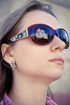 Free Young Woman In Sunglasses. Royalty Free Stock Images - 15721199
