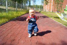Free The Joyful Baby Studies To Go Royalty Free Stock Images - 15721979