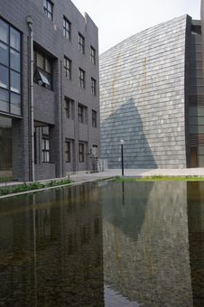 Free Buildings With Reflection Royalty Free Stock Photos - 15724638