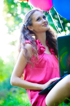 Free Girl With Notebook Royalty Free Stock Image - 15727106