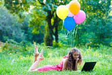 Free Girl With Notebook Royalty Free Stock Photo - 15727155