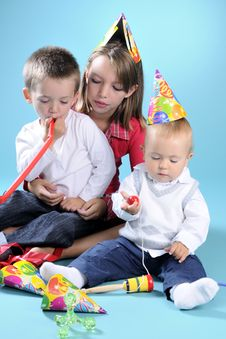 Free White Girl Playing With Two Beautiful Boys Stock Photography - 15733532