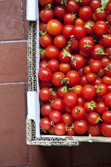 Free Cherry Tomatoes Royalty Free Stock Image - 15734586