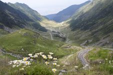 Free High Mountain Road Stock Images - 15734934