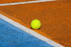 Free Tennis Ball Stock Photo - 15737400
