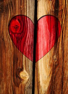 Free Red Heart On Wooden Wall Royalty Free Stock Images - 15741689