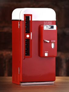 Free Vintage Toy Soda Machine Royalty Free Stock Photo - 15749395