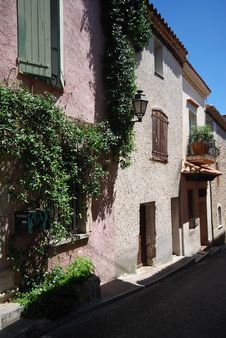 Free Street View In Village Of Provence, France Royalty Free Stock Image - 15750496