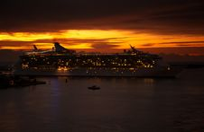 Free Sunrise At Port Everglades Royalty Free Stock Photography - 15758027