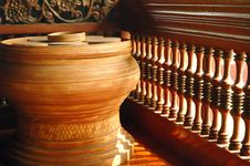 Free Old Fashion Pottery Royalty Free Stock Images - 15758419