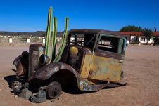 Free Old Truck With Cactus Royalty Free Stock Photography - 15762467
