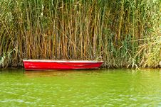 Free Red Fishing Boat Royalty Free Stock Photos - 15763148