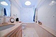 Free Internal Marble Bathroom Royalty Free Stock Photos - 15764288