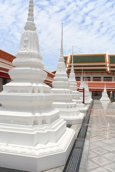 Free White Pagoda In Thai Temple Stock Photography - 15766652