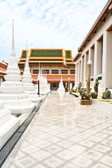 Free White Pagoda In Thai Temple Royalty Free Stock Images - 15766659