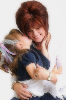 Free Mother And Daughter Kissing And Smiling Royalty Free Stock Photography - 15771267