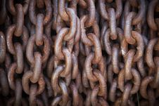 Free Thick Rusty Chain Background With Vignette Stock Images - 15773264
