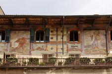 Free Verona, Piazza Erbe, Painted Casa Mazzanti Royalty Free Stock Photos - 15776788