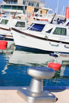 Free Mooring Cleats And Boats Royalty Free Stock Photo - 15780865