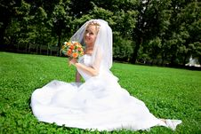Free Bride With A Wedding Bouquet Stock Image - 15781901