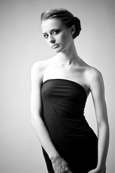 Free Elegant Woman In A Black Dress Royalty Free Stock Photography - 15782157