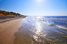 Free Seashore With Waves And Foam Stock Photos - 15784283