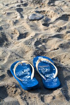 Free Beach Slippers Stock Photo - 15791020