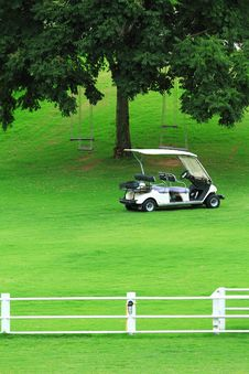 Free White Golf Cart Stock Image - 15791981
