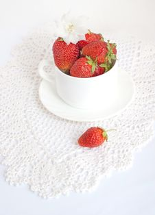 Free Ripe Strawberries Stock Images - 15792444