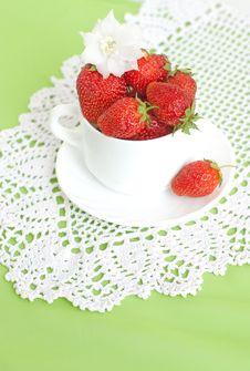 Free Ripe Strawberries Stock Photography - 15792452