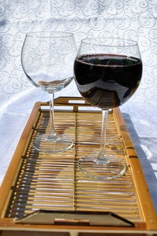Free Full Vs Empty Glass Stock Image - 15795511