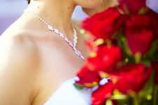 Free Necklace And Bunch Of Red Roses Stock Images - 15799144