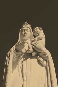 Free Holy Mary Statue Royalty Free Stock Photography - 15800347