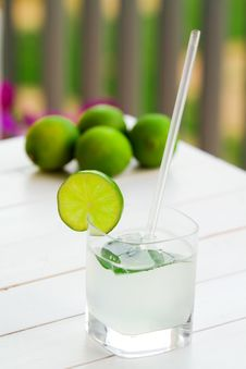 Free Glass Of Lime Juice Royalty Free Stock Photo - 15801795