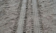 Free Car Tracks Stock Image - 15804611