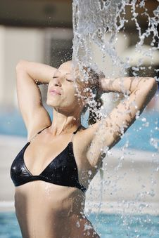Woman Relax And Drink Coctail At Swimming Pool Royalty Free Stock Images
