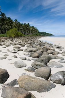 Free Rock Beach - Thailand Royalty Free Stock Photo - 15809385