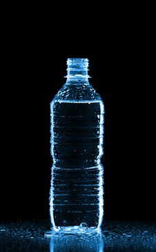 Free Plastic Bottle Of Water Royalty Free Stock Images - 15812159