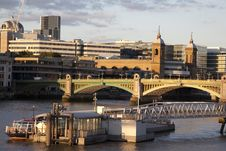 Free Southwark Bridge On The River Thames Royalty Free Stock Images - 15813139