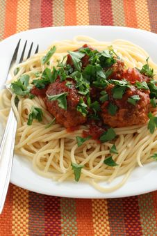 Free Spaghetti With Meatballs And Parsley Royalty Free Stock Photo - 15815355