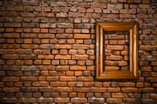 Free Old Wall With A Scope Royalty Free Stock Photography - 15817497