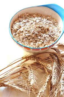 Free Groats Of Oat-flakes Stock Photography - 15819062