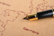 Free Fountain Pen And Map Stock Photo - 15819280