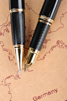 Free Pens And Map Royalty Free Stock Photo - 15819315