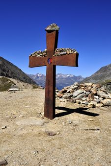 Free Alpine Landscape Stock Photo - 15823960