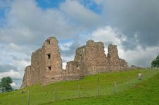 Free Landscape Of The Castle Royalty Free Stock Photography - 15829757