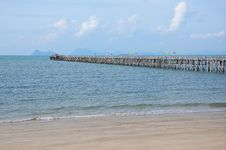 Free Long Wooden Pier Into The Sea Royalty Free Stock Image - 15829856