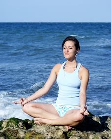 Free Beautiful Young Woman Meditating Royalty Free Stock Photo - 15829885
